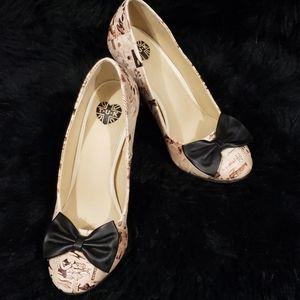 Vintage Print T.U.K. High Heels Pumps Size 8